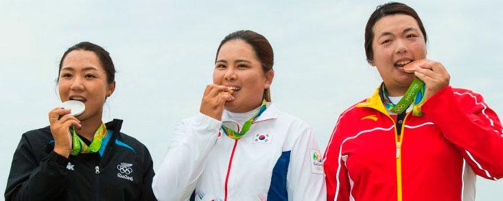 Hambre de medallas en el podio de golf femenino