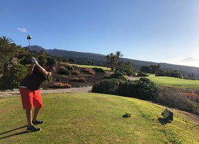 Cristian Siverio, primer golfista que sale a jugar y