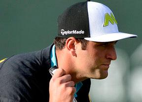 Jon Rahm mejora pero afronta el fin de semana a siete golpes de la cabeza