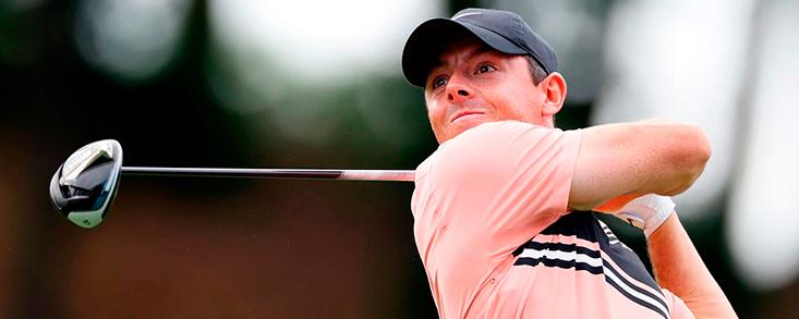 Rory McIlroy no logra dar alcance a Hughes pero ya exhibe músculo