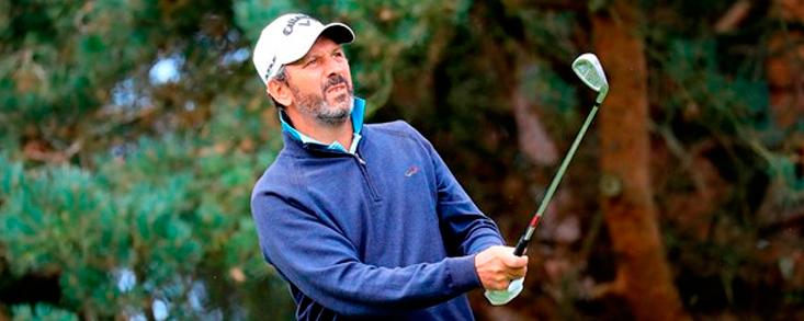 Santi Luna y José Manuel Carriles, a tres golpes del líder