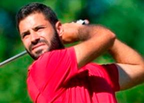 Santiago Tarrío entra en el top ten tras 64 golpes