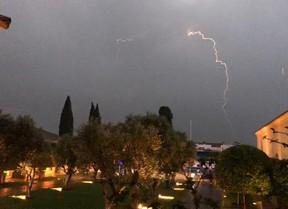 La primera jornada retrasa su comienzo por las tormentas eléctricas