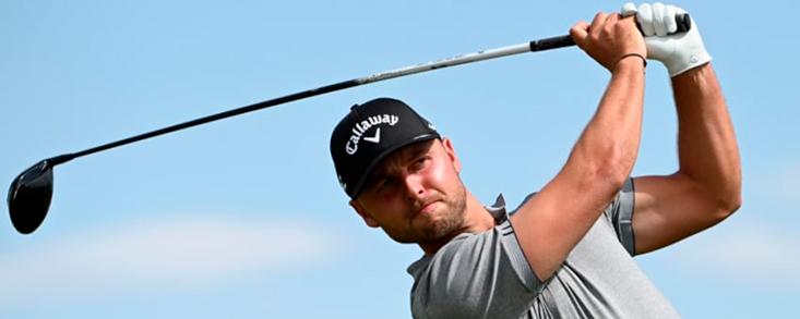 Svensson logra el record del campo y lidera el torneo