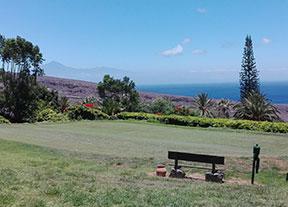 Tecina Golf, en pie con el tee en alto