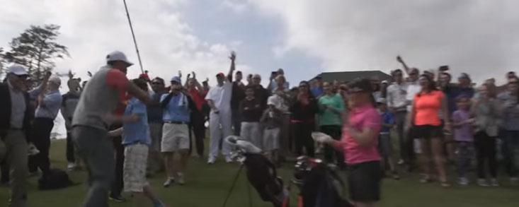 Taylor Crozier, un niño de 11 años, sorprendió al mismísimo Tiger Woods con un 'Hoyo en 1'