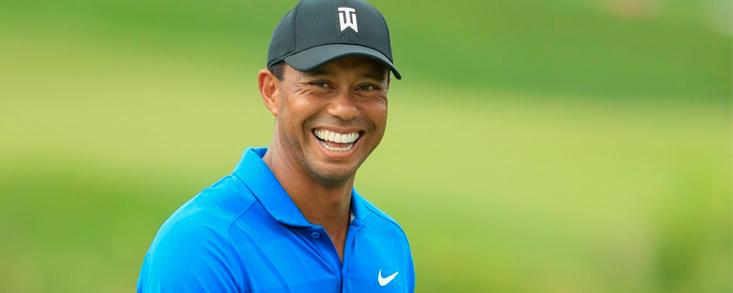Tiger Woods comienza su camino hacia la victoria 83 con una tarjeta de 69 golpes