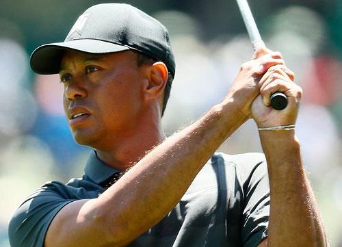 Tiger comienza con 73 golpes