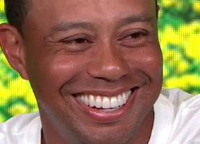 Tiger Woods afila su sonrisa
