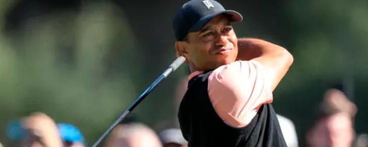 Tiger Woods arranca a lo grande recordando sus mejores tiempos