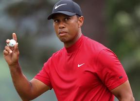 Tiger Woods vuelve a ser centro de las miradas en Peble Beach