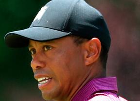 Tiger Woods firma 65 golpes y roza el top ten a cuatro golpes de la cabeza