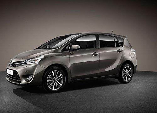 El popular monovolumen Toyota verso se actualiza