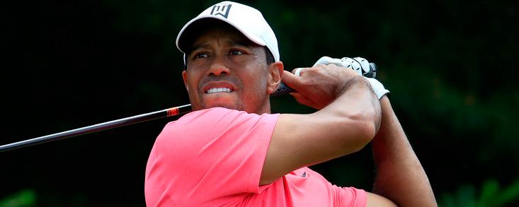 Tiger Woods ya es séptimo a cinco golpes de la cabeza