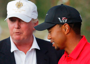 Donald Trump y Tiger Woods se miden en el campo de golf