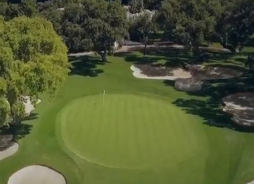 Un vídeo de dos minutos que refleja un gran proyecto de golf