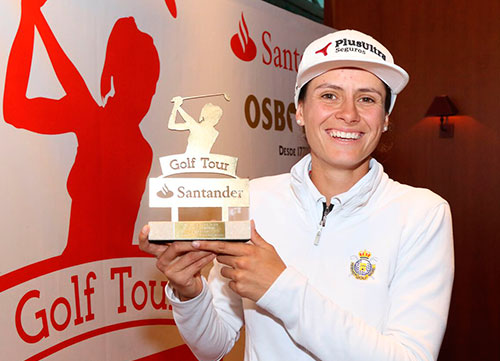 Virginia Espejo gana la final del Santander Golf Tour