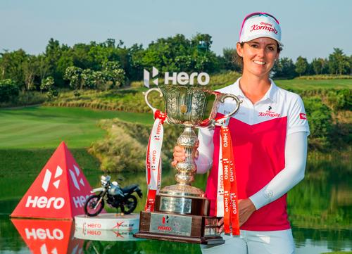 Christinie Wolf logra el triunfo en La India