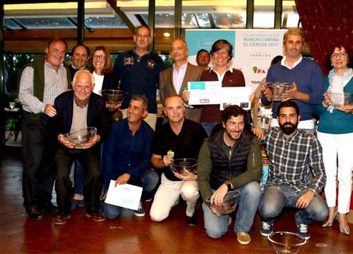 Fiesta solidaria en la Zapateira con un golf de alta calidad