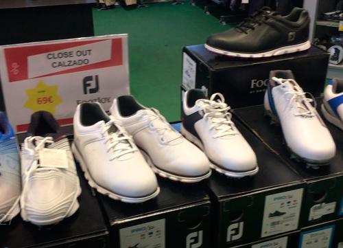 Una espectacular oferta de zapatos de golf en Decathlon