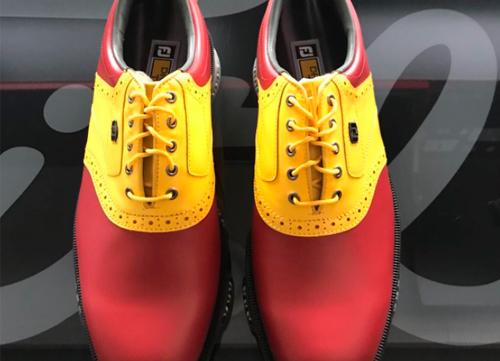 Los zapatos de Jorge Campillo, muy especiales