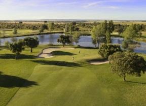Zarapicos y Villamayor, dos campos para fomentar el golf en familia